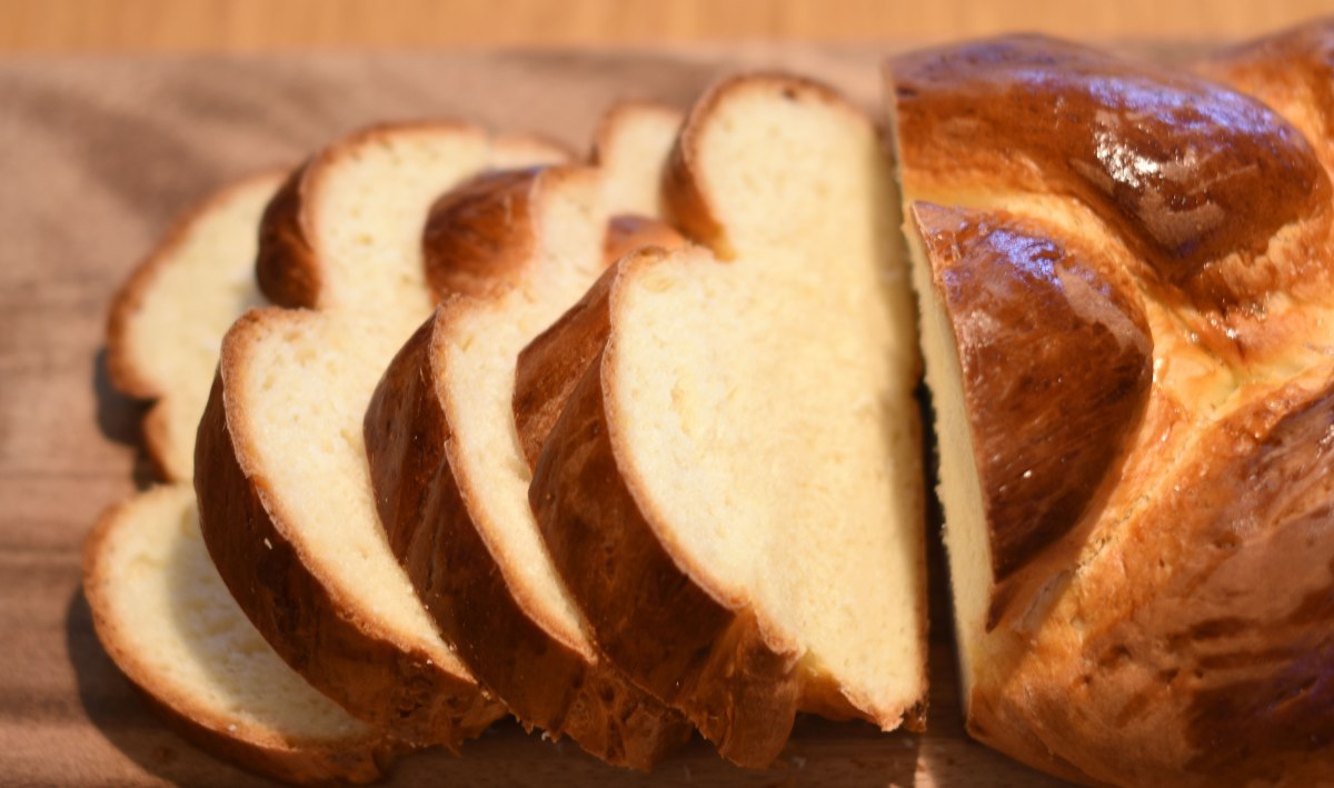 Zopf – The traditional Swiss breakfast bread – The Good ...